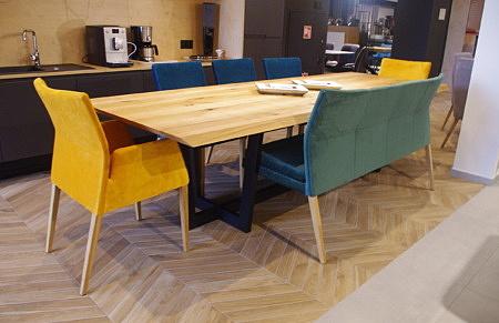Stół dębowy do salonu zestaw z krzesłami