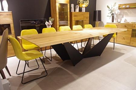 Stół nierozkładany do jadalni z krzesłami