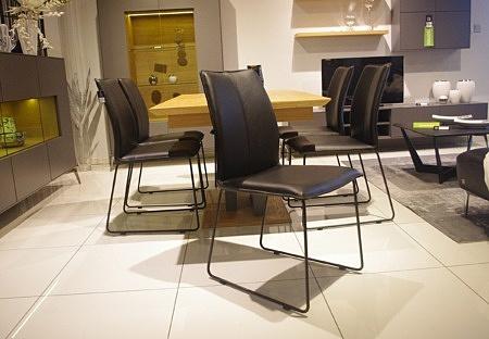 Krzesło czarna skóra loftowe