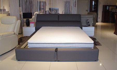 łóżko do salonu nowoczesne loft