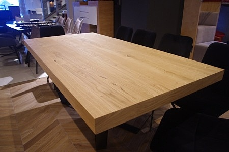 Blat dębowy w stole