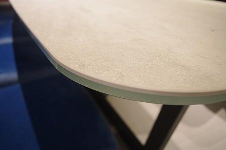 Krawędź stołu spiek kwarcowy na szkle pietra di savoia perla