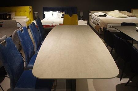 Stół do jadalni beczka