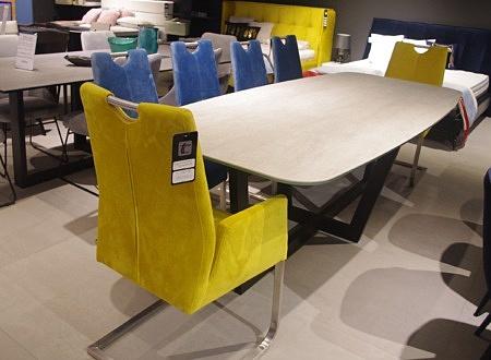 Zestaw krzeseł industrialnych