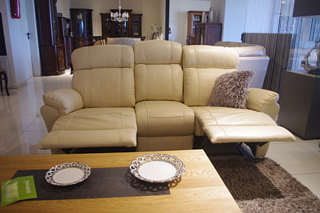 Sofa z relaxami
