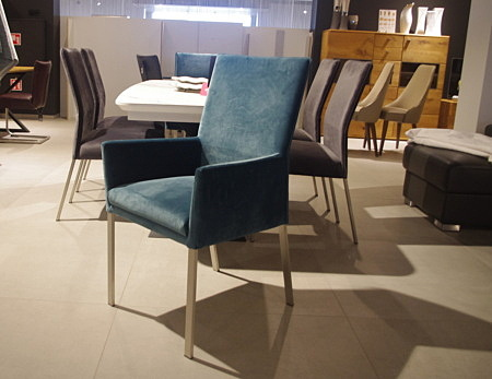Krzesła dwa kolory od ręki