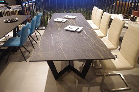 Stół spiek kwarcowy noir desire mat laminam
