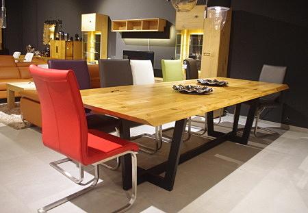 Stół z blatem drewnianym nogi czarne