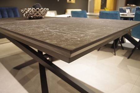 Stół ze spieku kwarcowego rozkładany rozsuwany