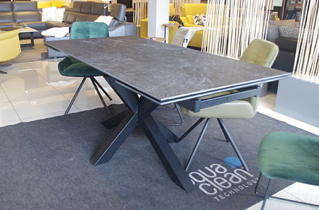 Stół ze spieku rozkładany